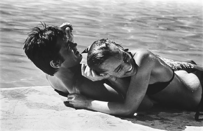 7143e4b153c0ebe27f5fc6f7f6b0faa4--romy-schneider-la-piscine-couples-in-love