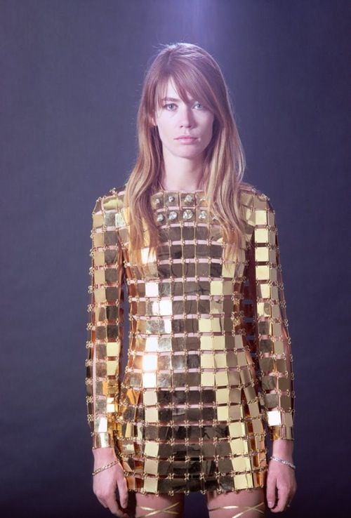 81b14c561b666e34a6bc072f92fe090d--golden-dress-disco-ball