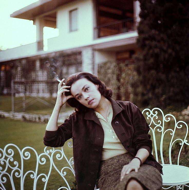 a5c530d77b19473a134a05d804fcc01b--jeanne-moreau-french-actress