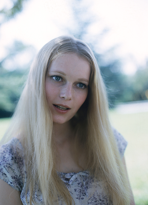 aquarius-mia-farrow-astrology