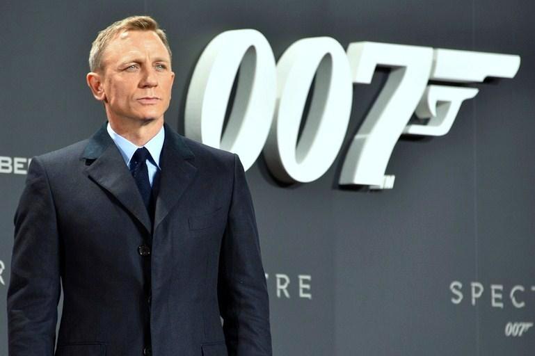 Daniel_Craig_–_Film_Premiere_-Spectre-