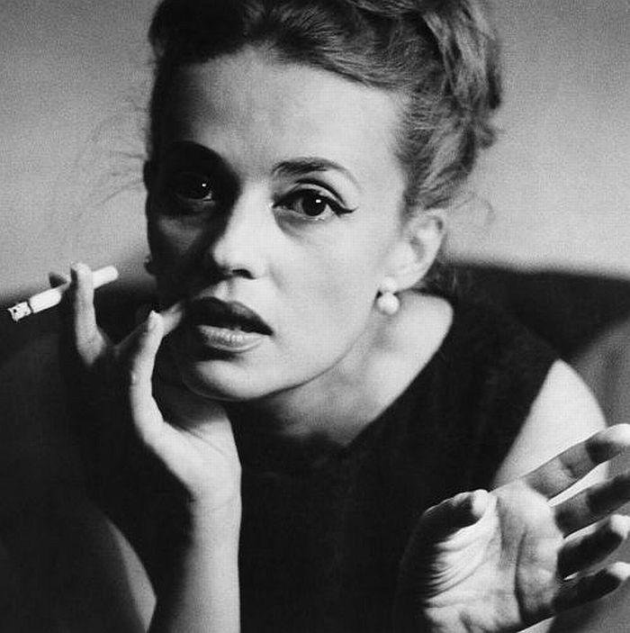 f7697321581854b63db000b01b515785--jeanne-moreau-french-actress