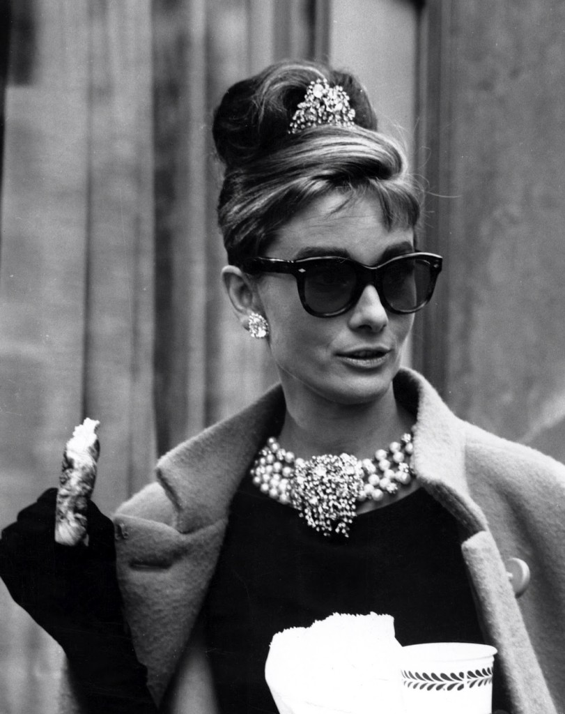 audrey-hepburn-breakfast-at-tiffanys-sunglasses-811x1024