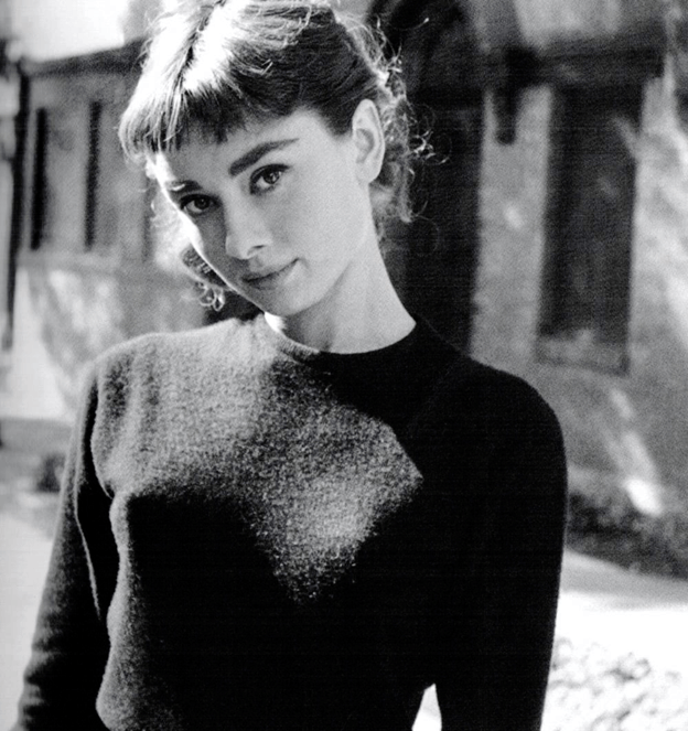 audrey-hepburn-sweater