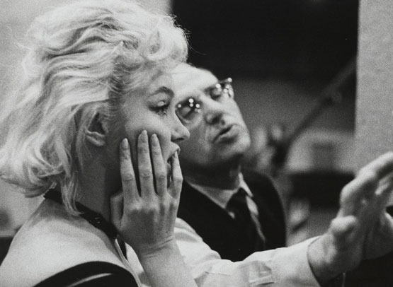 lets-make-love-1962-002-marilyn-monroe-george-cukor-on-the-set