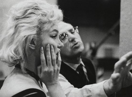 lets-make-love-1962-002-marilyn-monroe-george-cukor-on-the-set