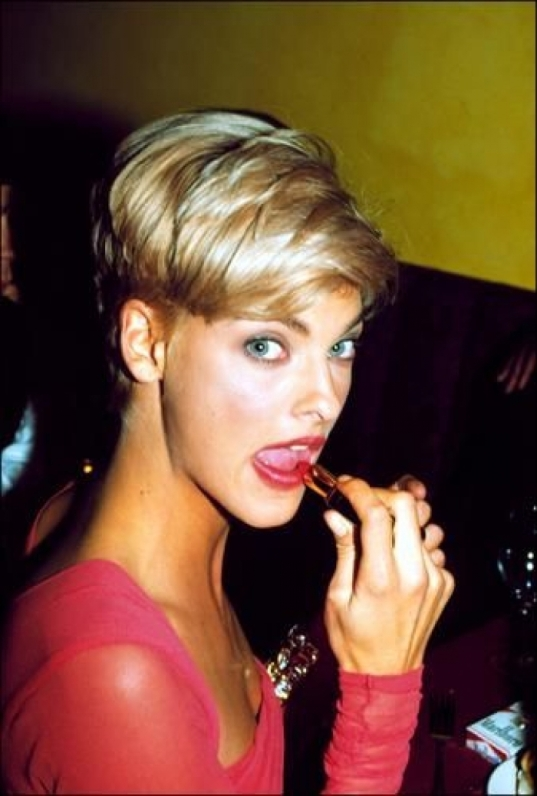 linda evangelista (90s) Is Compatible with Any Where