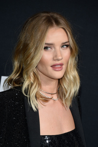 Rosie+Huntington+Whiteley+Shoulder+Length+-hJLZxvEnrKl