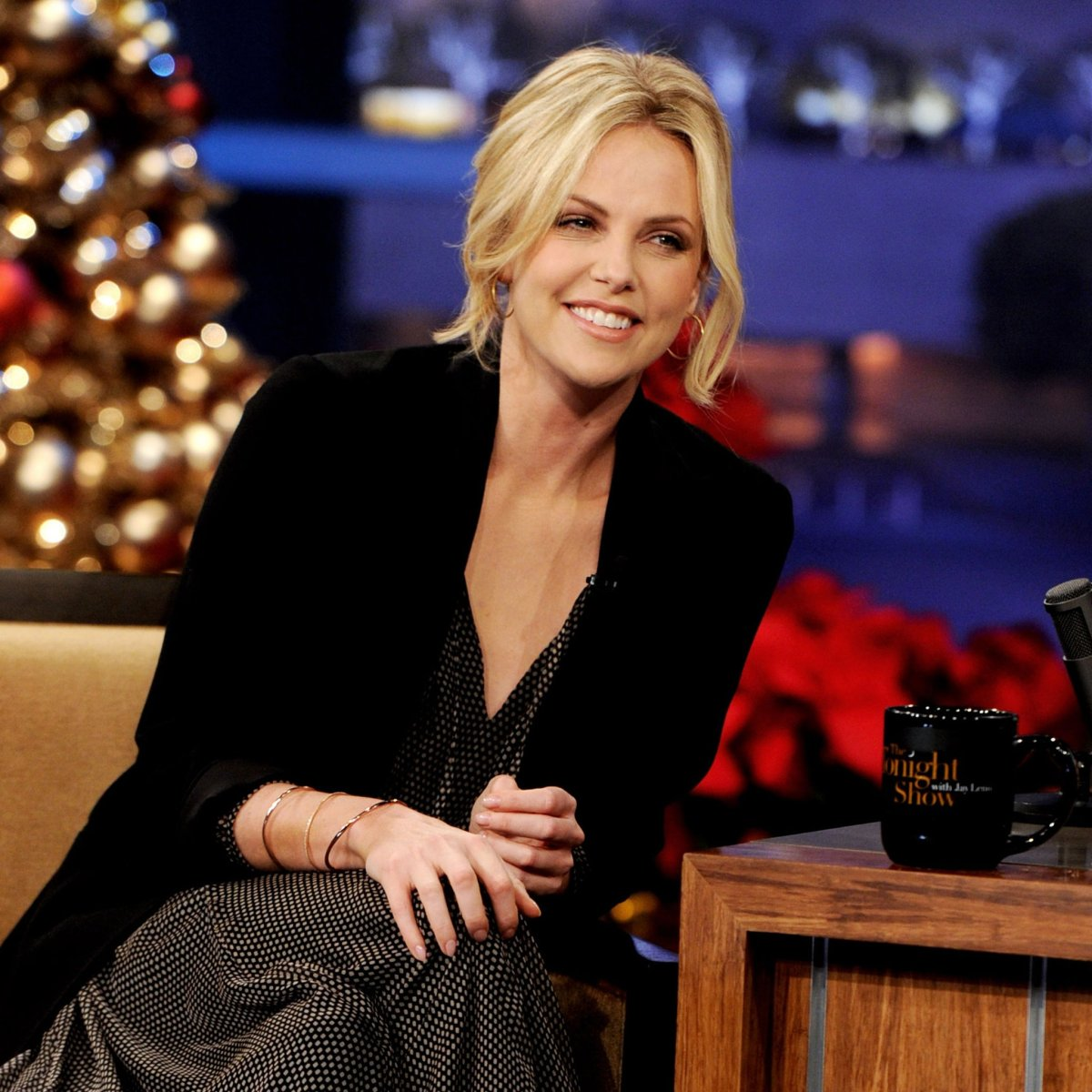 Young-Adult-Charlize-Theron-Pictures-Tonight-Show