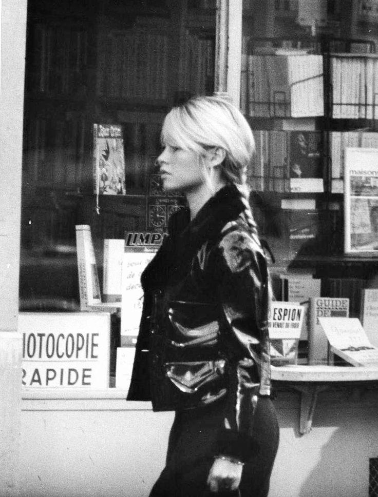 2bfc27b1c358e4b6c2d7ffb74f15074a--la-parisienne-brigitte-bardot