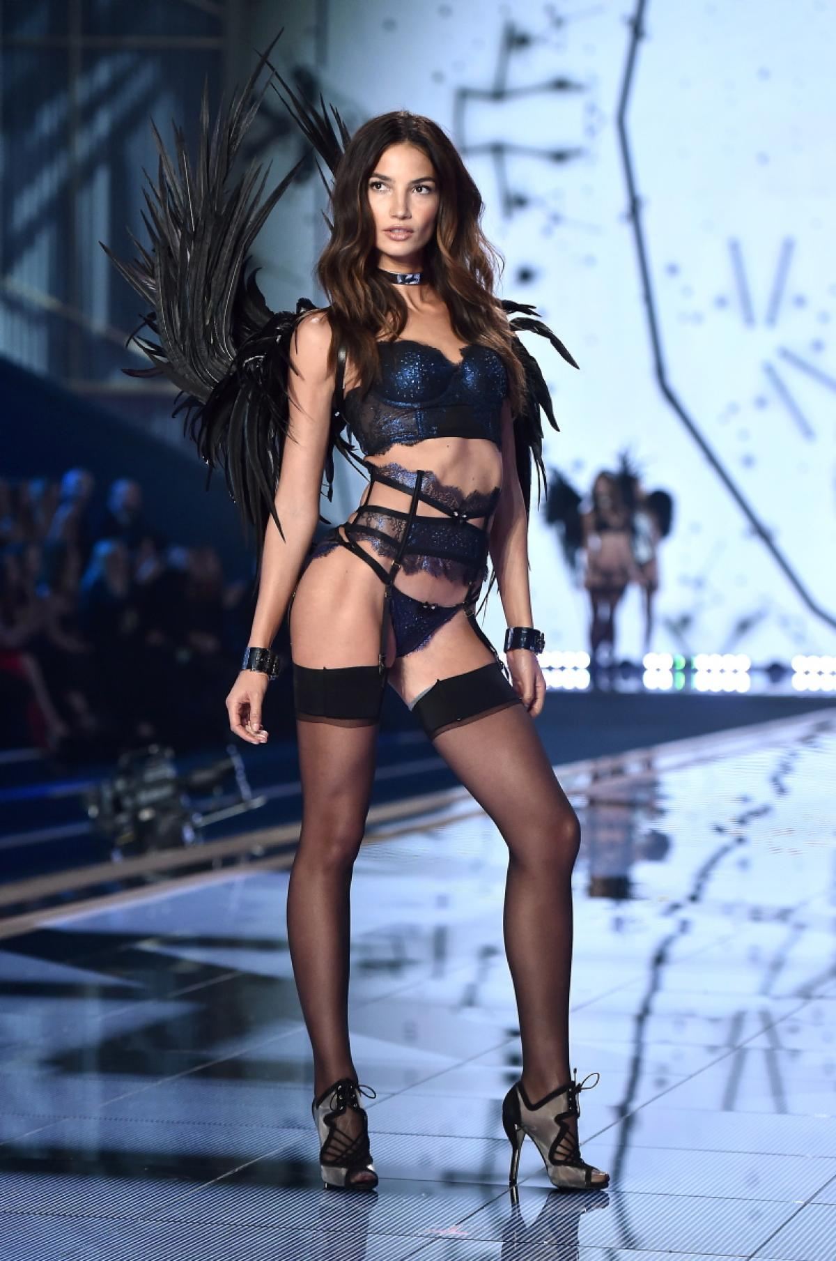 victoria-secret-fashion-show-2014