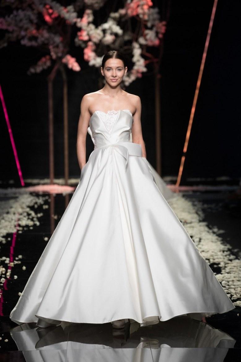 antonio-riva-petals-wedding-dresses-spring-2019-006