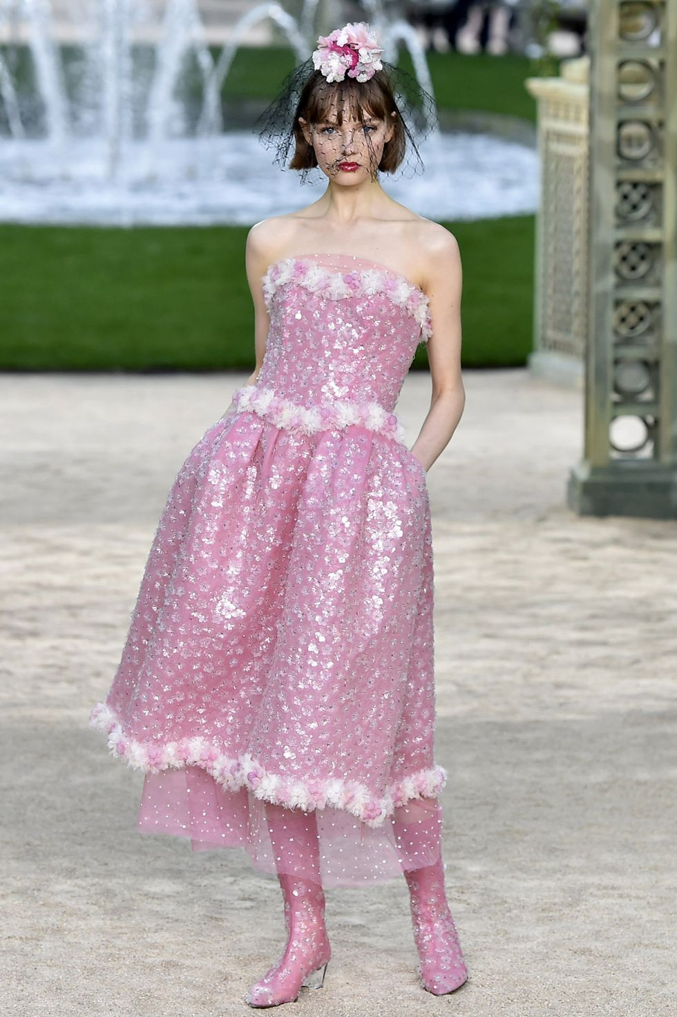 model-walks-the-runway-at-the-chanel-spring-summer-2018-news-photo-909352698-1550590607
