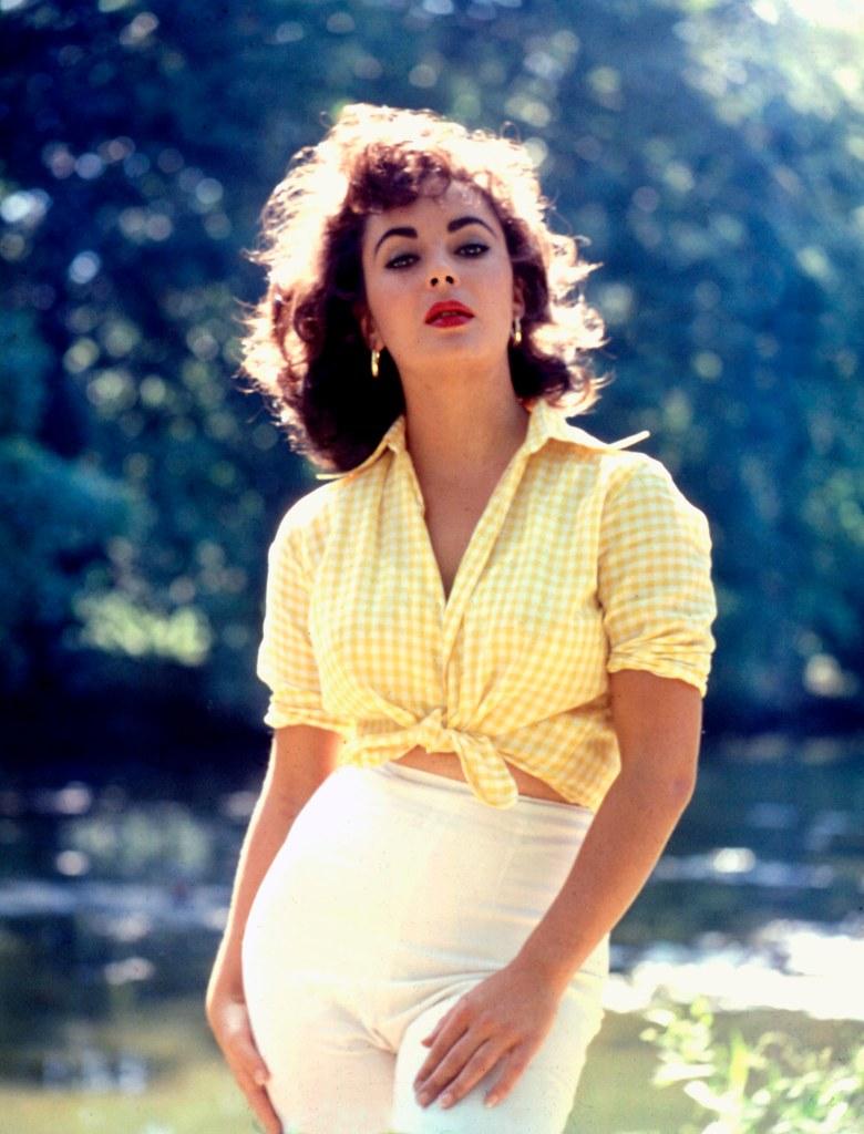 elizabeth taylor 1957 photoshoot